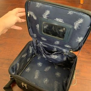 Other - Traveling Makeup Bag